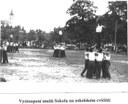 Vystoupení mužů Sokola na sokolském cvičišti